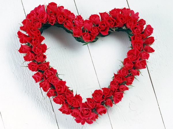 Saint_Valentines_Day_Beautiful_red_roses_St._Valentine_s_Day_013094_