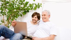 Father--son--senior--computer--laptop-640x360-jpg